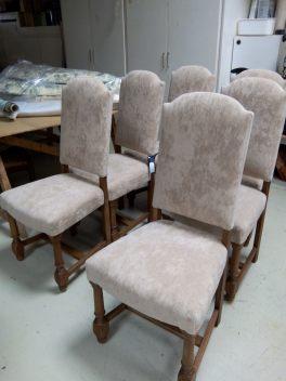 Rosa Najdovski- chaises de salle à manger